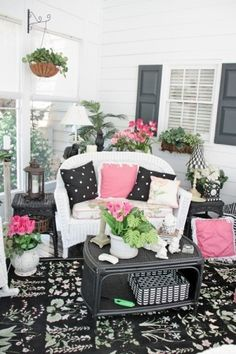 @Katy Epperly...I can so see your porch decorated like this..:) by glenna