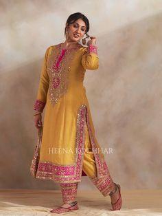 Party Wear Indian Dresses, Pakistani Fashion Party Wear, Pakistani Dresses Casual, Dress Indian Style, Pakistani Dress Design, Dress Casual, Bollywood Fashion, Indian Fashion Trends, Indian Fashion Dresses