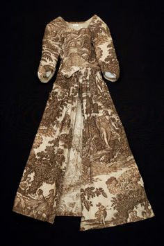 An 18th century gown made from toile, even though toile was supposedly only a furnishing fabric...