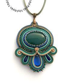 MaMania... Sutasz : Takie kwiatki ... :) Soutache Pendant, Soutache Necklace, Tassel Earrings, Pendant Necklace, Boho Jewelry, Jewelery, Jewelry Necklaces, Handmade Jewelry, Bracelets