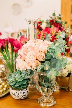 Casamento-MBacellar-Atibaia-29 Bolo Dino, Table Decorations, Sim, Anna, Home Decor, Bar Catering, Wedding At Home, White Orchids, Florists