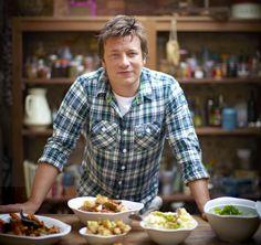 Джейми Оливер— незаурядный иочень талантливый шеф-повар изВеликобритании. Онявляется автором многих кулинарных бестселлеров, активно участвует вгастрономических шоу. Также Джейми— борец заздоро…