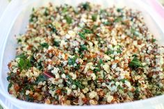 costco's quinoa and kale recipe: 1 bunch  organic kale 3 cups quinoa (red or brown) 1 tablespoon coconut oil 5¼ cups water 2-3 cloves garlic (optional) pinch of salt