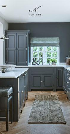Neptune Kitchen, Kitchen Color Trends, Wren Kitchen, Galley Kitchen Design, Kitchen Layout, Timber Kitchen, Kitchen Grey, Basement Kitchen, English Kitchens