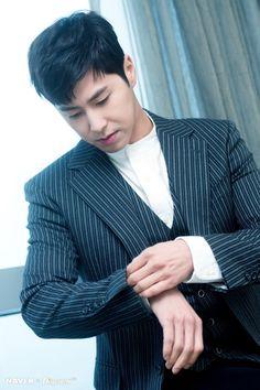 "[HD포토] ""이래서, 또 반한다""ㅣ'동방신기' 유노윤호 :: 네이버 TV연예"