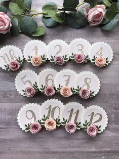 Birthday Photo Banner, 1st Birthday Photos, Girl First Birthday, Paper Flowers Craft, Paper Roses, Flower Crafts, Picture Banner, Monthly Pictures, Floral Banners