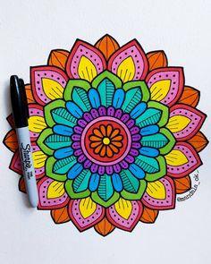 Mandalas mandala art, art drawings y mandala. Mandala Art Lesson, Mandala Doodle, Mandala Artwork, Mandalas Drawing, Zen Doodle, Easy Mandala Drawing, Watercolor Mandala, Doodle Art Designs, Doodle Art