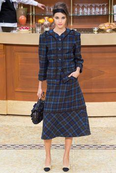 Chanel Fall 2015 Ready-to-Wear Fashion Show - Pauline Hoarau (Elite)
