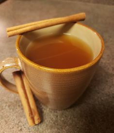 I've been seeking for an apple cider recipe that is keto-friendly for awhile. I finally found one, and took their recipe and modified it slightly. Apple Cider Tea Recipe, Apple Cinnamon Tea, Apple Cider Drink, Warm Apple Cider, Spiced Apple Cider, Apple Tea, Apple Cidar, Keto Cocktails, Apple Cider