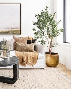 There's nothing more satisfying than seeing our products in beautifully styled spaces. This dreamy living room by is a perfect example! Our Pacific Coast Pot and Lina Linen Throw look right at home 💛 Home Living Room, Living Room Designs, Living Room Decor, Bedroom Decor, Living Room Throws, Living Room Shop, Living Room Inspiration, Home Decor Inspiration, Pillow Inspiration