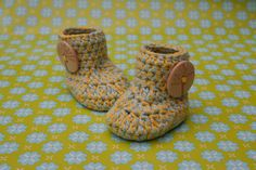 Crochet Baby Booties Wooden Button 100  by prettycrochetshop, $12.99