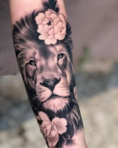 baby tattoos for moms 609463762056700178 - 53 Tatouages Lions pour Femme Wolf Tattoos, Lion Head Tattoos, Forarm Tattoos, Baby Tattoos, Body Art Tattoos, Small Tattoos, Sleeve Tattoos, Octopus Tattoos, Bicep Tattoo Women