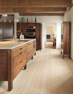 Rustic modern kitchen - Modern rustic kitchen with modern wood cabinets Wood floors by Dinesen desire – Rustic modern kitchen Home Decor Kitchen, Kitchen Interior, New Kitchen, Home Kitchens, Kitchen Dining, Kitchen Ideas, Kitchen Modern, Kitchen Pantry, Design Kitchen