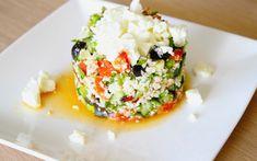 Bloemkoolcouscous is veel gezonder dan de couscous die we kennen. Blog met gezonde recepten. Gezond eten. Lekker en gezond. Grains, Rice, Couscous, Food, Meal, Essen, Hoods, Meals, Eten