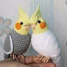 Crochet Bird Patterns, Crochet Birds, Cute Crochet, Knitting Patterns, Crochet Animal Amigurumi, Amigurumi Doll, Crochet Animals, Crochet Toys, Crochet Parrot
