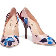 Oscar de la Renta Furnet suede-trimmed printed satin pumps ($385) ❤ liked on Polyvore featuring shoes, pumps, high heel pumps, satin pumps, pointed toe pumps, shiny shoes and multi-color pumps