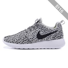 Nouveau Mode Nike Roshe Courir 350x Yeezy Boost Femmes's Collégial  Entraînement Chaussures Rose/Blanc | Nike Roshe Yeezy 350 | Pinterest |  Yeezy 350, ...
