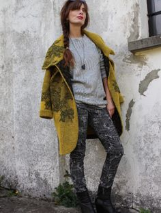 Ho appena scoperto  COAT KNIDA DAY  su STYLIGHT!  @stylight #coat #yellow #fashion #fashionblog #fashionblogger #style #streetstyle #winterfashion #trend #knit #knitwear #sweater #pants #madeinitaly #girl #wintertrend