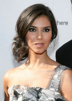 Roselyn Sanchez Loose Bun - Roselyn opted for a loose, side-swept updo for the 2008 ALMA Awards.