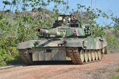 PT-91M Pendekar của lục quân Ba Lan (Dựa theo khung gầm T-72 Soviet búa liềm)
