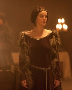 The Hollow Crown - Maroon medieval gown with fur trimmed sleeves and gold detailed belt