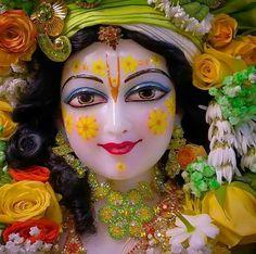 Hare krishna hare Rama Krishna Lila, Krishna Hindu, Jai Shree Krishna, Cute Krishna, Radha Krishna Photo, Krishna Radha, Radha Rani, Lord Krishna Images, Radha Krishna Pictures