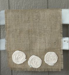 Florette Farmhouse Runner (Burlap w/ White Cotton Rosettes)