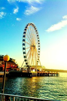 Seattle Great Wheel. Built in 2012 on the Puget Sound off of Pier 57.