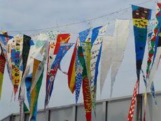 (Thema kleur) - Vrolijke vlaggen gemaakt door leerlingen van het Arte College