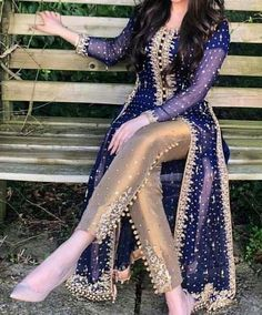 new pakistani dresses Pakistani Formal Dresses, Shadi Dresses, Pakistani Wedding Outfits, Pakistani Dress Design, Eid Dresses, Indian Designer Outfits, Indian Outfits, Designer Dresses, Stylish Dresses