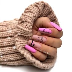 Still can't find the best nails arts and designs to go before on your special occasion nowadays? Just see here awesome pink nail arts for long and medium nails to show off in year Pink Nail Art, Summer Acrylic Nails, Cute Acrylic Nails, Gold Nail Art, Aycrlic Nails, Swag Nails, Bling Nails, Cute Acrylic Nail Designs, Fire Nails