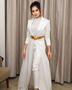 Actress images and other all images Party Wear Indian Dresses, Designer Party Wear Dresses, Kurti Designs Party Wear, Dress Indian Style, Indian Designer Outfits, Girls Party Dress, Indian Outfits, Party Dresses, Stylish Dresses