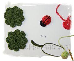 Crochet 8 hearts [hearts pattern is not my own]   Begin met de magic ring, 3 losse, haak in de magic ring 3 dubbele stokjes, 3 stokjes, 1 losse, 1 dubbel stokje, 1 losse, 3 stokjes, 3 dubbele stokjes, 2 losse en een halve vaste om het hartje te sluiten, trek daarna de draad aan zodat de ring sluit. Start with the magic ring, 3 single crochet in the magic ring 3 double sticks, 3 sticks, 1 single, 1 double stick, 1 single, 3 sticks, 3 sticks double, 2 twin and a half fixed to the center to…