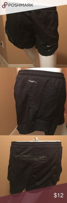 Women's Nike Athletic Shorts! Black Women's Nike Fit Dry Athletic Shorts! Size M (8-10), in excellent condition only worn a couple times! Nike Shorts