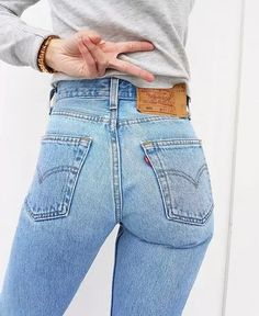 jeans were the first of their kind and, just like you, they've evolved with the times. Discover the original and new 501 jeans styles at Levi's®. Vintage Jeans, Jean Vintage, Style Vintage, Outfit Jeans, Sexy Jeans, Levis 501, Levis Jeans, Jeans Drawing, Jean Sexy
