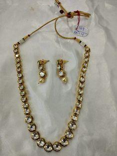 Single line Kundan set Kundan Set, Cocktail Rings, Costume Jewelry, Fashion Jewelry, Jewelry Design, Gold Necklace, Pendants, Jewellery, Jewels