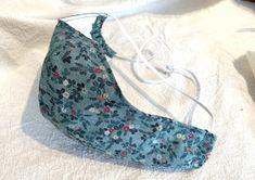 Helles Syskrin: Munnbind steg for steg Drawstring Backpack, Diy And Crafts, Bags, Fashion, Masks, Handbags, Moda, Fashion Styles, Fashion Illustrations