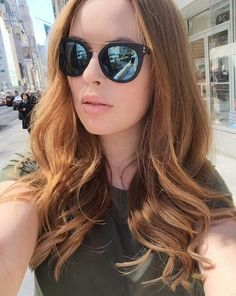 Tanya Burr. Love these sunglasses.