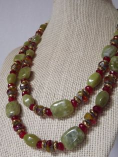 Green Jade and Agate Necklace Mom Jewelry, Jewelry Show, Fashion Jewelry Necklaces, Fashion Necklace, Jewelry Making, Beaded Jewelry Designs, Handmade Beaded Jewelry, Agate Necklace, Beaded Necklace