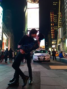 Kissing in times square
