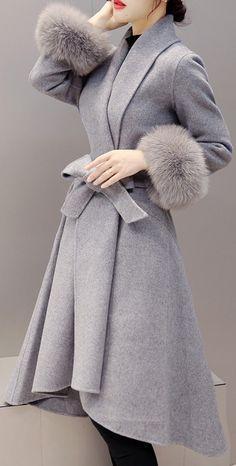 Gray Long Spring Coat With Fur Cuffs (Beautiful) - Care - Skin care , beauty ideas and skin care tips Grey Faux Fur Coat, Long Grey Coat, Long Black, Mode Mantel, Swing Coats, Denim Coat, Khaki Coat, Green Coat, Belted Coat