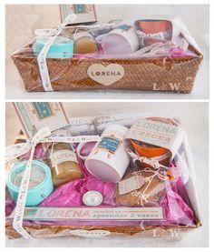 Lola Wonderful_Blog: Regalos super-personalizados para todas las personas y todas las ocasiones Gift Hampers, Gift Baskets, Lola Wonderful, Sweet Box, Client Gifts, Ideas Para Fiestas, Party In A Box, Creative Gifts, Gift Ideas