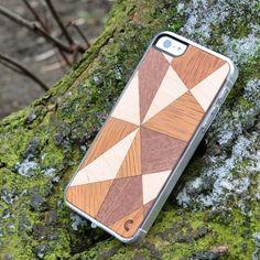 Apple iPhone 5 / 5S Mosaiikki Puu Suojakotelo 3  http://puhelimenkuoret.fi/tuote/apple-iphone-5-5s-mosaiikki-puu-suojakotelo/