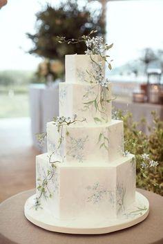 Elegant Wedding Cakes, Beautiful Wedding Cakes, Wedding Cake Designs, Perfect Wedding, Beautiful Cakes, Elegant Cakes, Vintage Wedding Cakes, Wedding Cake Simple, Different Wedding Cakes