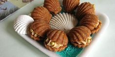 Školjkice — Elegantni nepečeni kolačići od špekulas keksa sa čokoladno-kafenim punjenjem.