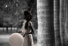 Young girl in Lodi Garden - #NewDelhi - #Inde - #India - August 2012 © Gaelle.Lunven  http://glunven.wix.com/gaelle-lunven-photos