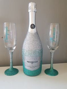 A wide variety of unique bespoke gifts and glitter glasses for any occasion. Personalised frames and personalised glitter glasses that you will love. Bedazzled Liquor Bottles, Decorated Liquor Bottles, Glitter Wine Bottles, Bling Bottles, Alcohol Bottle Decorations, Alcohol Bottle Crafts, Wine Glass Crafts, Wine Bottle Crafts, Diy Birthday Gifts For Friends