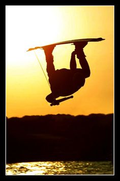 Wakeboarding is awesome! camp-activites/water-sports/wakeboarding---waterskiing/