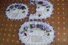 Sandra Roque Artesanatos: Jogo de banheiro 3 peças em cru com mescla lilas