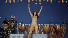 Google Image Result for http://imgace.com/wp-content/uploads/2012/08/Jessie-J-and-Roger-Taylor-rock-the-Olympic-Stadium.jpg